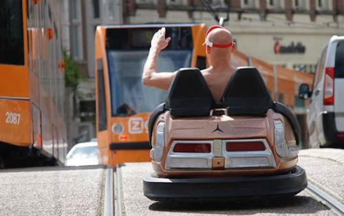 Botsauto op weg Amsterdam