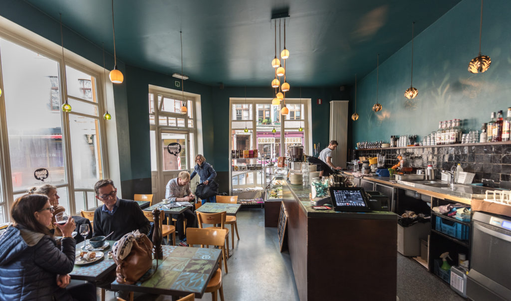 interior of Simon Says culinaire hotspots in gent
