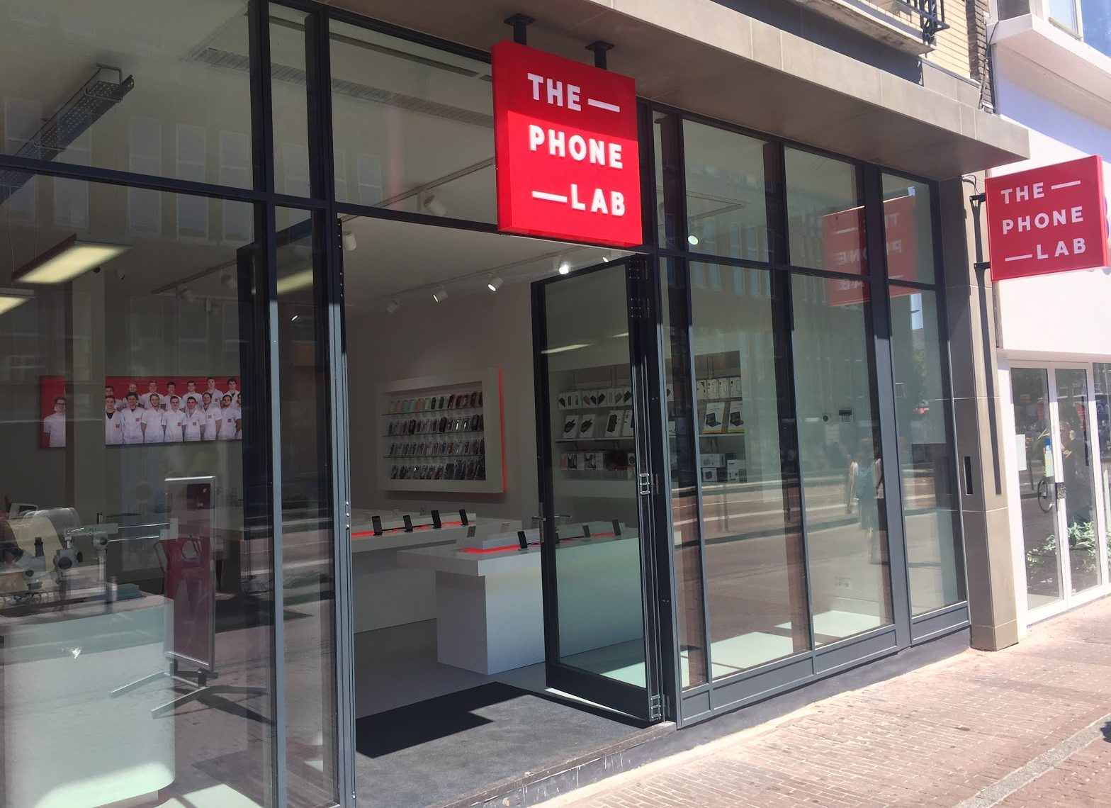 De vijfde en nieuwste vestiging van The Phone Lab in Utrecht.
