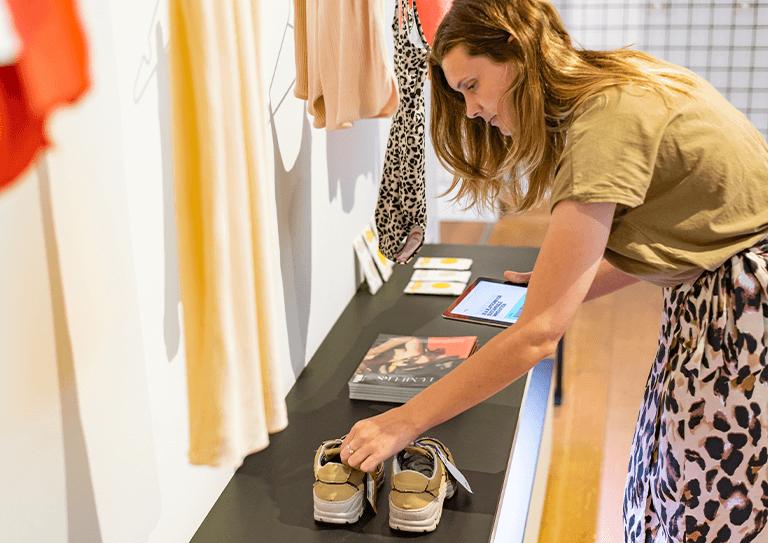 Het fashion retail kassasysteem voor offline<br>én online verkoop